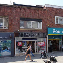 Shop to let in Yeovil